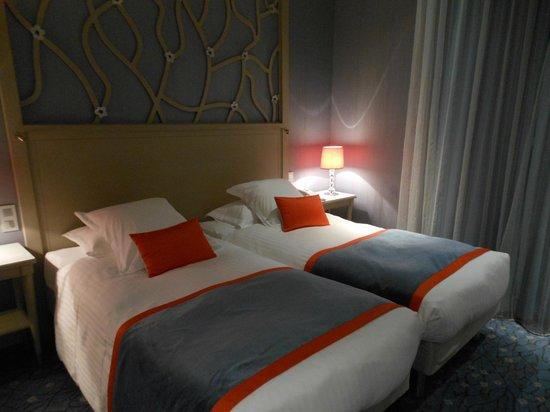 Splendid Etoile Hotel: 清潔なベッドルーム