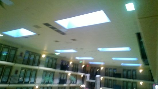 Fifth Season Inn & Suites: falling ceiling tiles