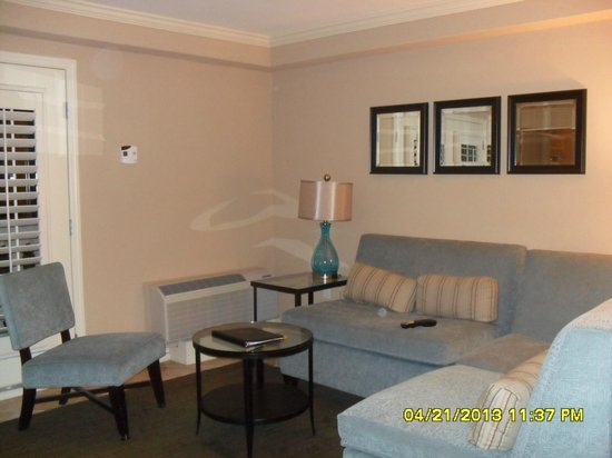 Crowne Plaza Orlando Downtown : Living Room Area