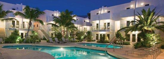 Santa Maria Suites Hotel: The Hotel center piece