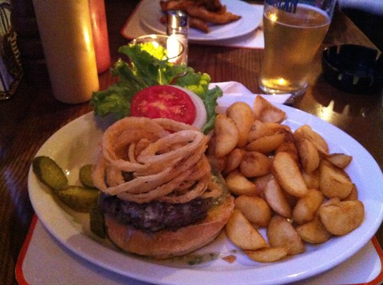 Sunset Cafe: Crispy Black and Blue Burger w/ potato wedges