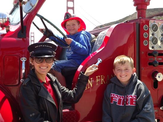 San Francisco Fire Engine Tours & Adventures : Great photo opportunities