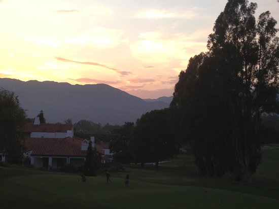 Ojai Valley Inn & Spa: The pink moment.