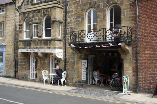 The Village Tearoom Alnmouth: A pleasant, friendly and peaceful place - just perfect for a summer day!