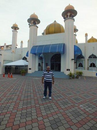 Langkawi Tour - Day Tours : A Mosque, Langkawi