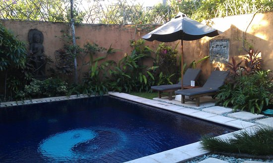 Impiana Private Villas Seminyak : The pool