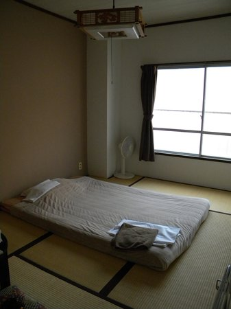 J-Hoppers Hiroshima Guesthouse : private room