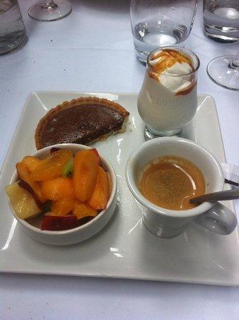 Restaurant Alexandra : Il caffè ed il dessert nello stesso piatto