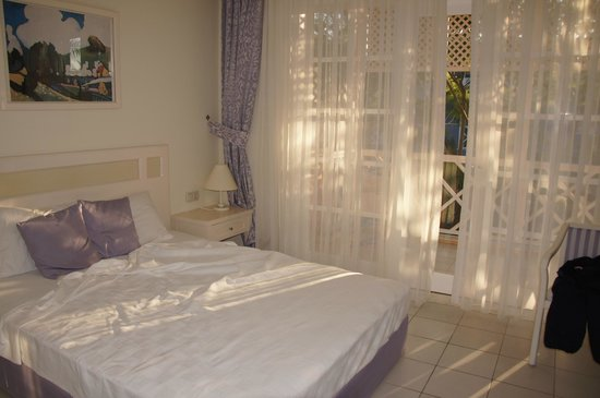 Euphoria Palm Beach Resort: Номер.