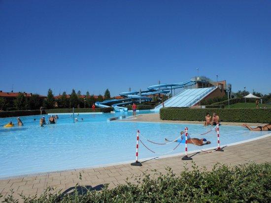 Stezzano, Italy: piscina