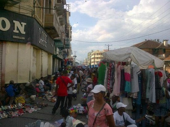Analakely Market : this is SHOPPING
