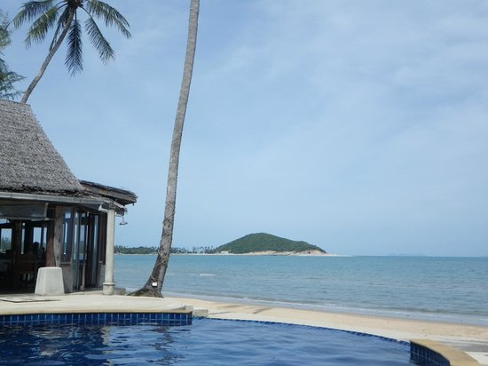 Lipa Lodge Beach Resort: View out to the sea
