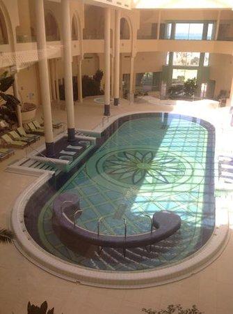 Hasdrubal Prestige Thalassa & Spa : piscine couverte de la thalasso