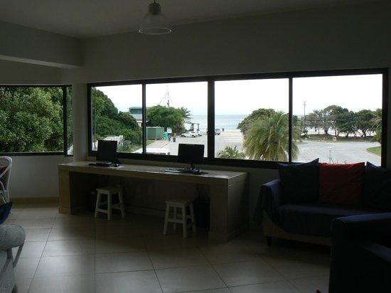 Plett Beachfront Accommodation : coté ordi et vu