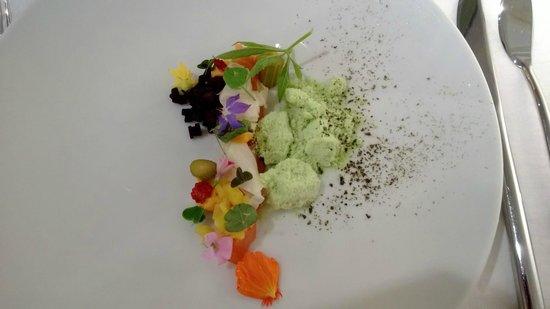 Taste and Colours: Voorgerechtje met zalm en kruiden uit eigen tuin
