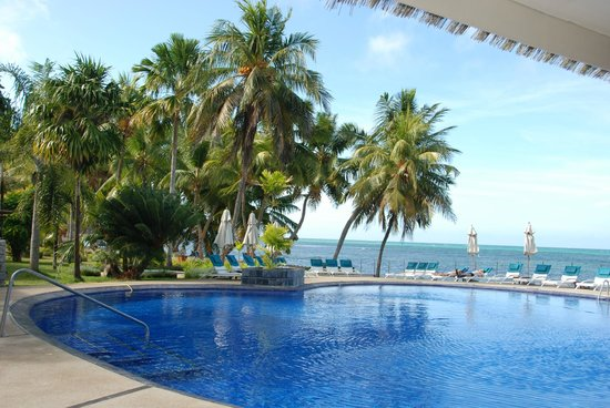 Coco de Mer - Black Parrot Suites: Pool area with sea view