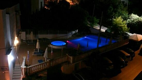 Hotel Pineta: la piscina