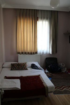 Topkapi Apartments: chambre 2