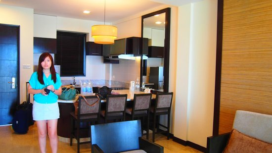 Nexus Resort & Spa Karambunai: Kitchen