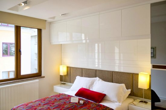 Aura Suites: Main bedroom of our 2-Bedroom Suite