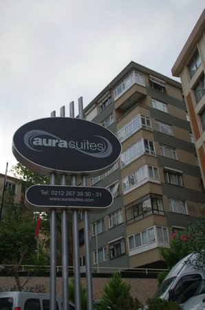 Aura Suites: The apartment building