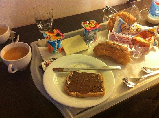 Roman Residence Inn: 朝食