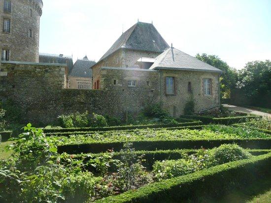 Chateau de la Flocelliere: potager