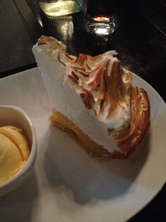 Blue Plate Bar and Grill: Lemon Pie
