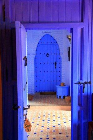 Dar Echchaouen: Door to one of the rooms