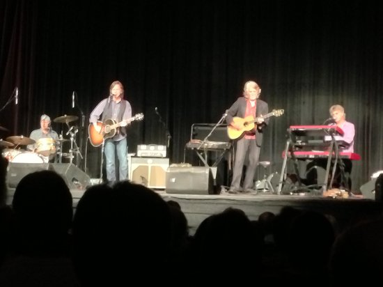 The Morehead Center for Performing Arts & Events : Nitty Gritty Dirt Band
