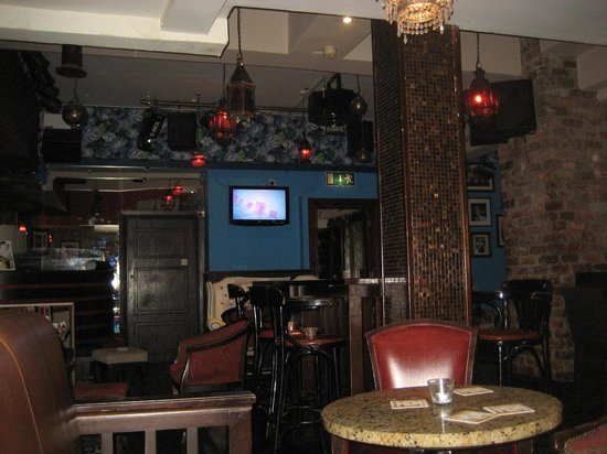 Strand Bar Derry: Back room telly