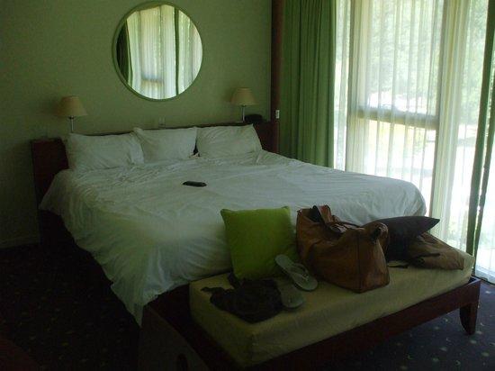 Hotel Des Lacs D'Halco : la chambre