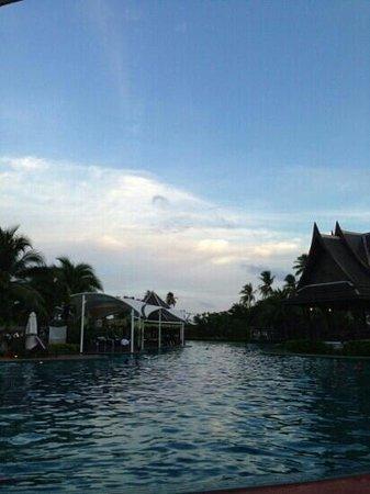 A poolside bar and Sala Thai