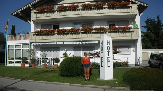 Hotel Christine: front of hotel