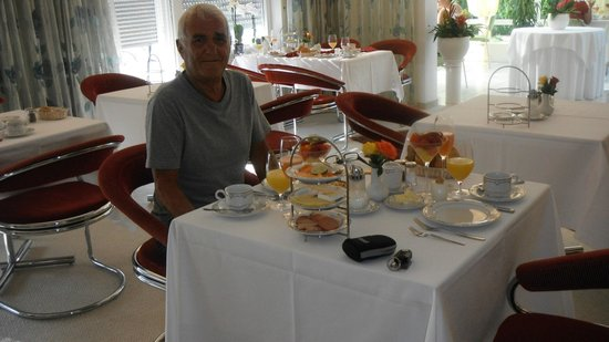 Hotel Christine : breakfast