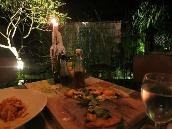 Il Giardino: Pizza, delicious.