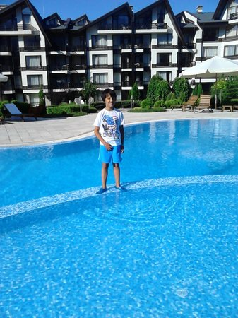 Aspen Golf: Outdoor pool