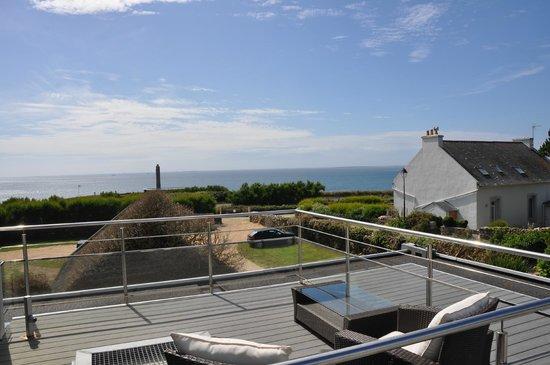 Hostellerie de la Pointe Saint-Mathieu : Terrasse privée avec vue sur mer