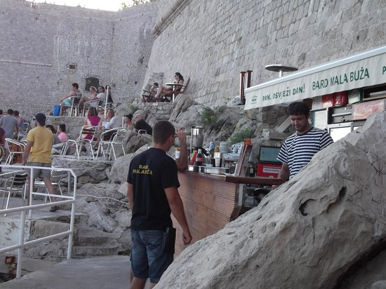 Sinistaj Rooms: Buza Bar Old Town. On cliff .  GO THERE!