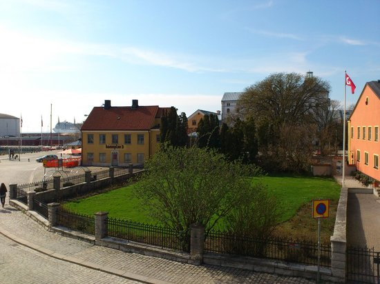 Visby Vandrarhem : View from room towards harbour.