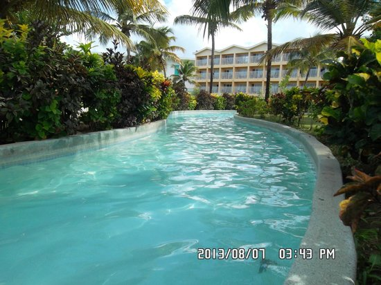 Coconut Bay Beach Resort & Spa: Part of the lazy river...