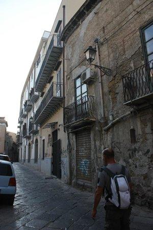 Hotel Columbia Palermo: Entrée de l'hôtel