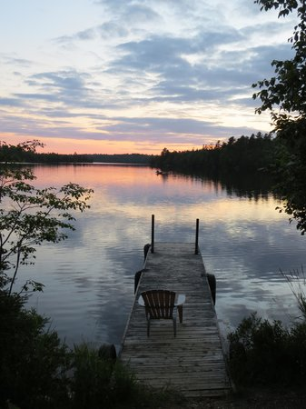 Northernair Lodge: Sunset on Mitchell Lake