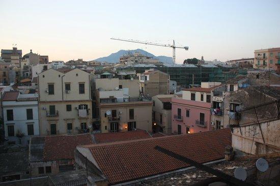 Hotel Columbia Palermo: Vue de la chambre