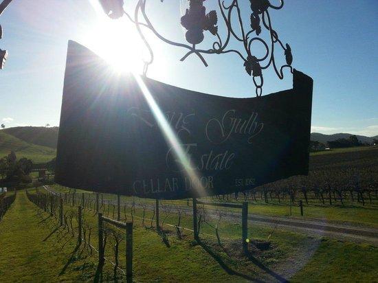 Wild Wombat Winery Tours: Beautiful winery