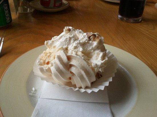 Bossards Patisserie: Delicious!