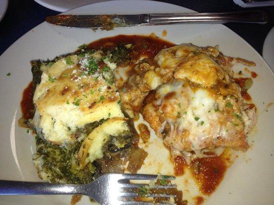 Santorini Restaurant: Vegtable mus and chicken santorini