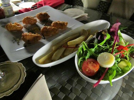 Uptown Bar: Bon appetit