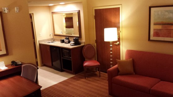 Embassy Suites by Hilton Nashville SE - Murfreesboro: kitchenette