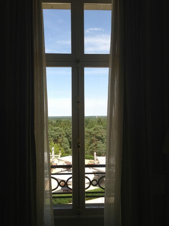 Tiara Chateau Hotel Mont Royal Chantilly: view from the room